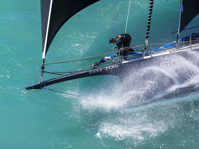 Emmagasineur KZ Racefurler à bord du Maxi Black Jack Yachting
